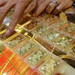 Giá vàng tiếp tục giảm, người mua lỗ 1,7 triệu từ đầu tuần